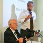 M. BARBICHE, professeur émérite de l'École Nationale des Chartes et M. PÉRAT